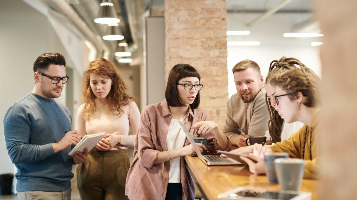 Få et bedre sammenhold på arbejdspladsen med sjove aktiviteter