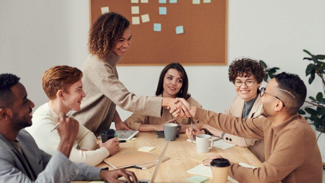 Sådan kan din virksomhed få gavn af et kommunikationsbureau